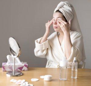 makyaj temizleme rutini